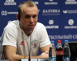 Пресс-конференция Черчесова и Глушакова