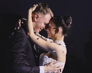 Матвей Сафонов с женой